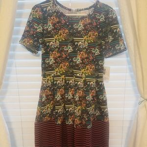 LuLaRoe Amelia dress size M